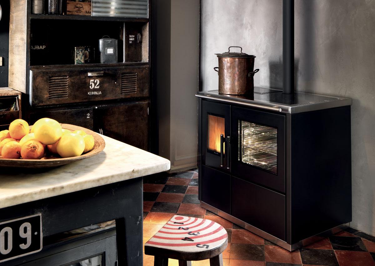 ravelli mia 90 les ma tres du feu chemin e po le bois po le granul s montauban 82. Black Bedroom Furniture Sets. Home Design Ideas